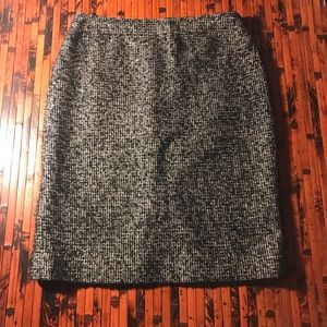 J.Crew Wool Blend Tweed style pencil skirt size 6